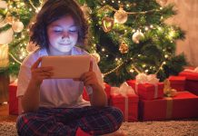 Tips-to-Buy-Tech-Gifts-for-Kids-of-Other-People-on-americastrend